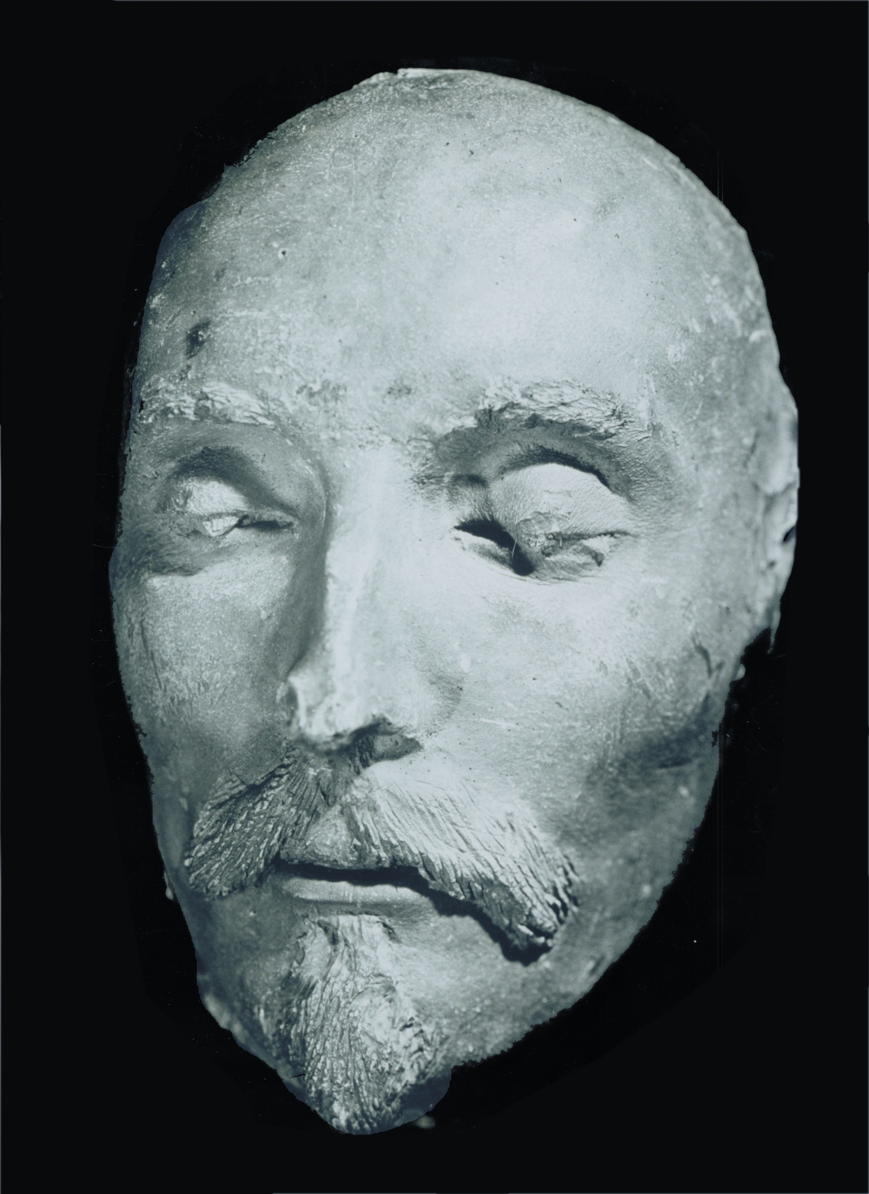 Violence and death in hamlet by william shakespeare