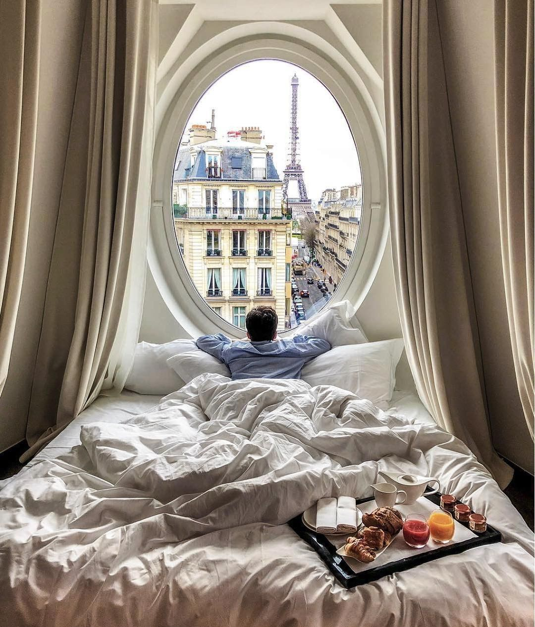 Un temps à rester au lit, pas vrai ? ❄️ . 📍Paris, France . 📷 @followthenap . #LeMetropolitanParis #paris #france #naptime #sleep #paris #hotellife #roomwithaview #igers #postcardsfromtheworld #luxuryhotel #besthotel #hotellife #luxuryhotels #hotelsandresorts #naturephotography #wonderful_places #amazingearth #placestogo #bestplacestogo #hotels #beautifuldestinations #beautifulhotels #vacations #travelandleisure #beautifulplaces #luxury #travel #luxurytravel #luxuryhotel 6 j