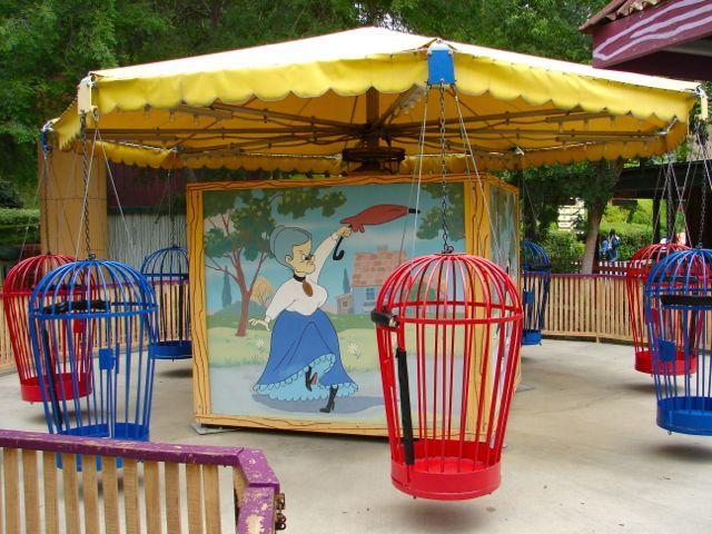 Bugs Bunny World At Six Flags Magic Mountain The Coaster Guy Bugs Bunny Six Flags Theme Park