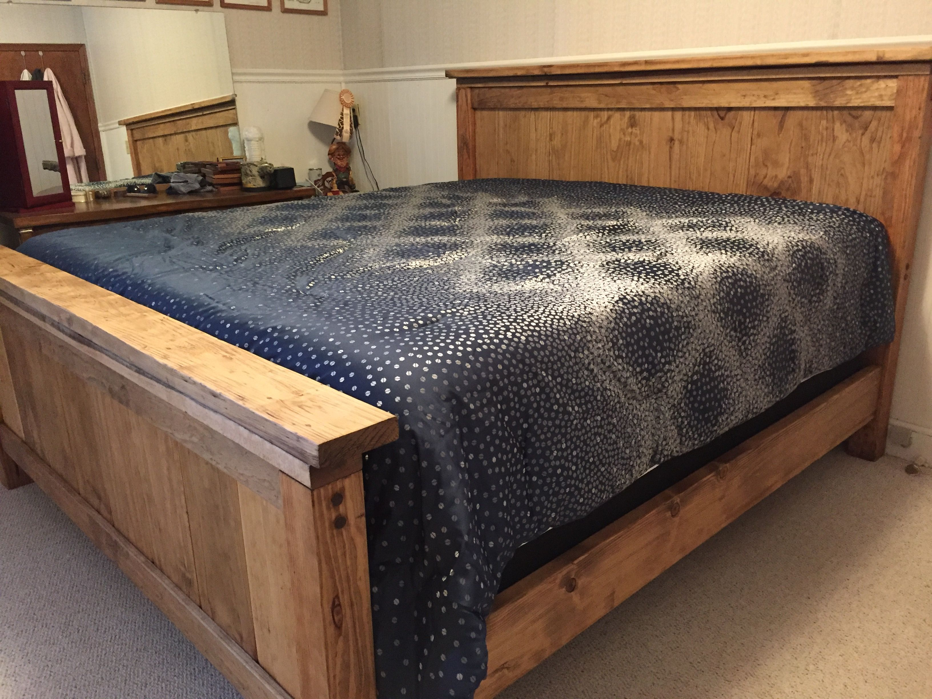 DIY Farmhouse Bed King Version Woodworking bench plans