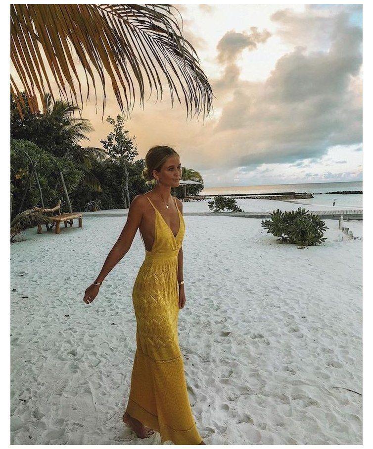 15 Beach Outfit Ideas That Go Far Beyond Swimsuits and Sunnies Feeling beachy keen