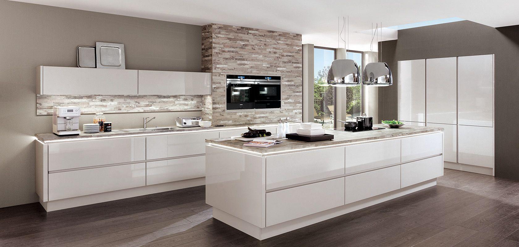 Lux 819 Satin Grey High Gloss Designer Kitchens Line N Handleless Nobilia Kuchen Mit Bildern Kuche Hochglanz Nobilia Kuchen Kuchen Design