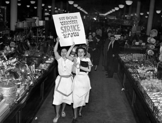 woolworth-workers-go-on-strike-in-new-everett New York City police evict and arrest striking Woolworth clerks occupying stores and demanding a 40-hour workweek. Police were met with huge protests at the stores and the precinct where the workers had been taken. Once freed, the clerks returned to the stores and re-occupied them and, in the end, they won a one-year union contract, an eight-hour day, six-day workweek, and a 32.5 cent per hour minimum wage