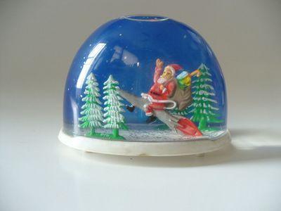 Vintage Christmas Snow Globes.Vintage Christmas Snow Globe Santa Claus Riding A Rocket