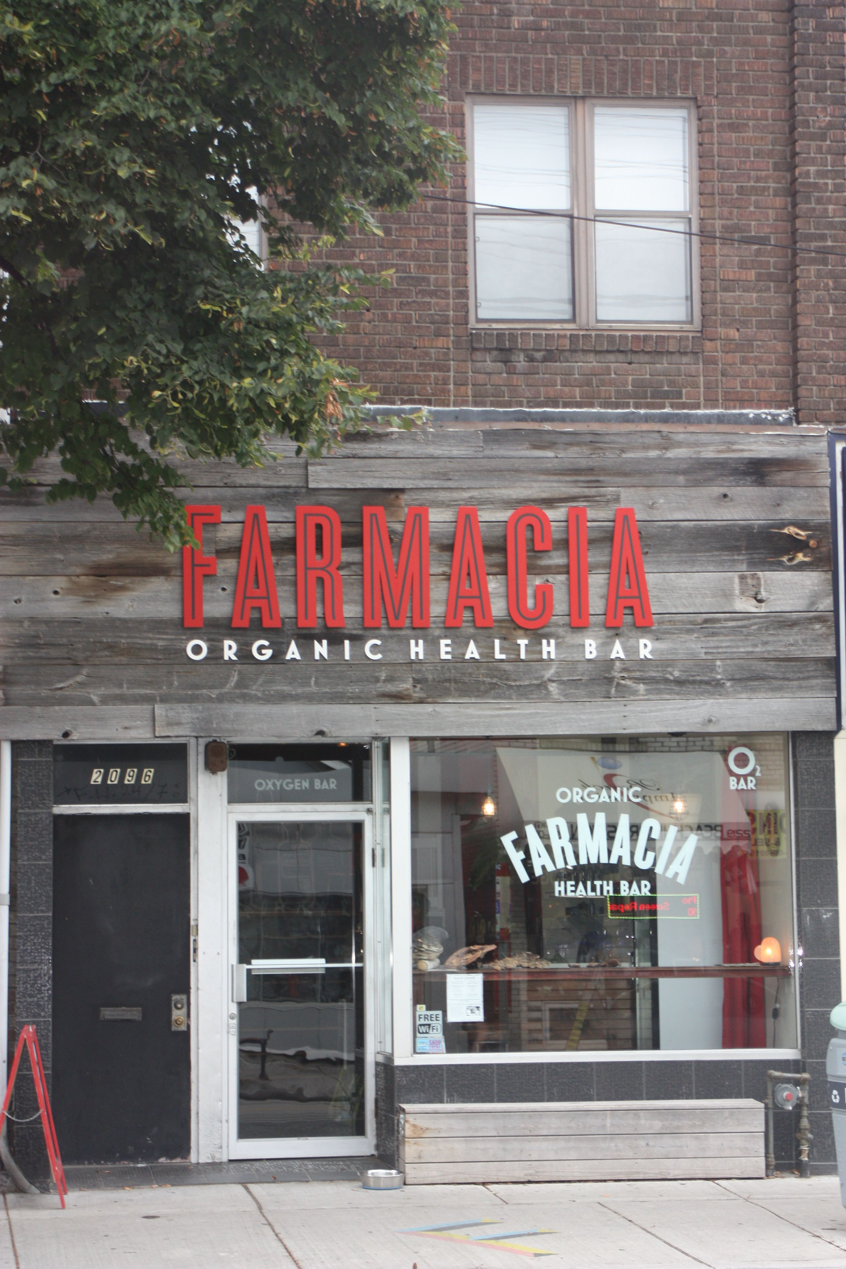 Farmacia Organic Juice Bar 2096 Queen Street East Organic Juice Bar Cafe Design Organic Juice