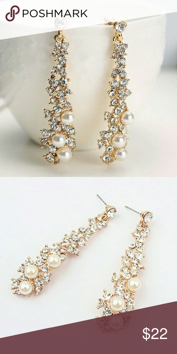 Pearl Drop Earrings Gorgeous Pair Of Crystal Earring With Decorative Pearls In A Gold Tone Metal Perfect For Night Out Wedding Or Formal Event