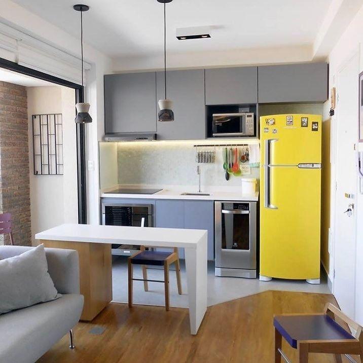 Em um caso de amor com geladeiras amarelas {} Na cozinha integrada