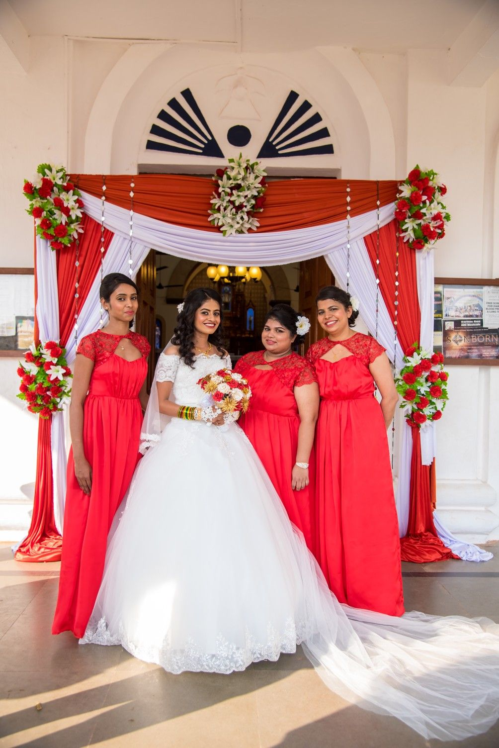 Christmas Theme Wedding Red And White Bride And Bridesmaids Red