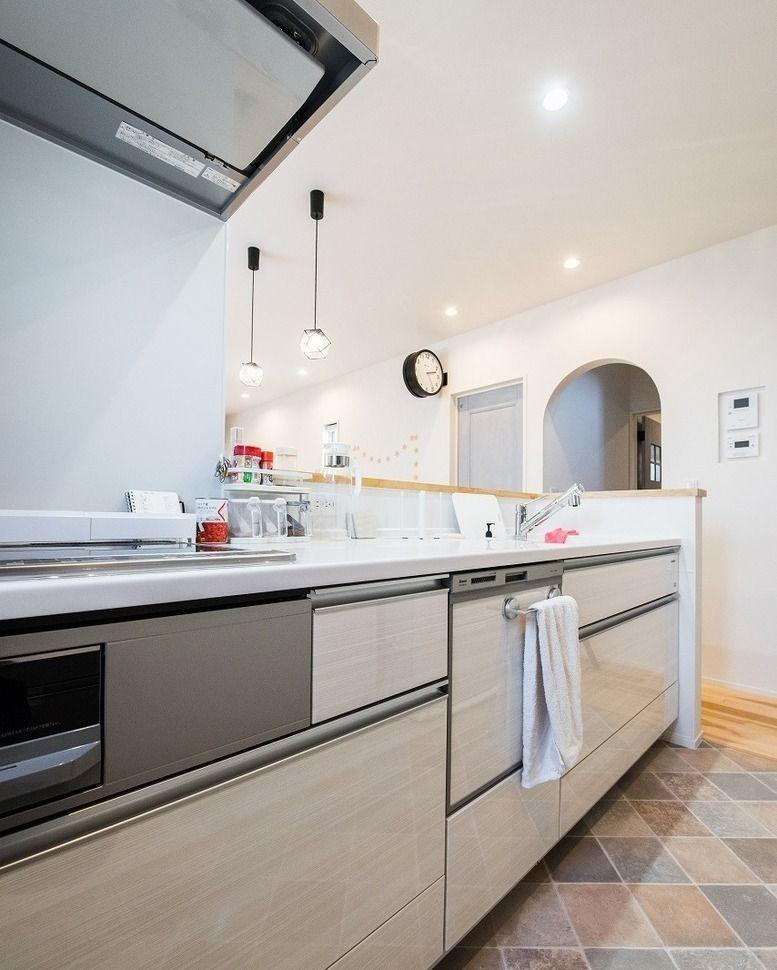 カナルホーム On Instagram 白色で清潔感のあるキッチン にしました コンロの周りは ホーローパネルという油汚れも簡単に取れる素材のため 常にきれいなキッチンを保てますね 掃除でイライラすることがなくなります カナルホーム かなるほーむ 岡崎 幸田