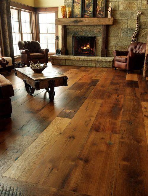 Love the wood floor! Cabin ~ Living Cabins Pinterest Pisos - tipos de chimeneas