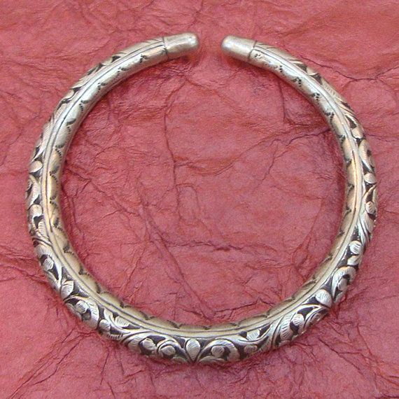 18e29fa785a Antique Vintage Look Handmade Old Silver Tribal Gypsy Ethnic Armlet Bangle  Bracelet Jewelry