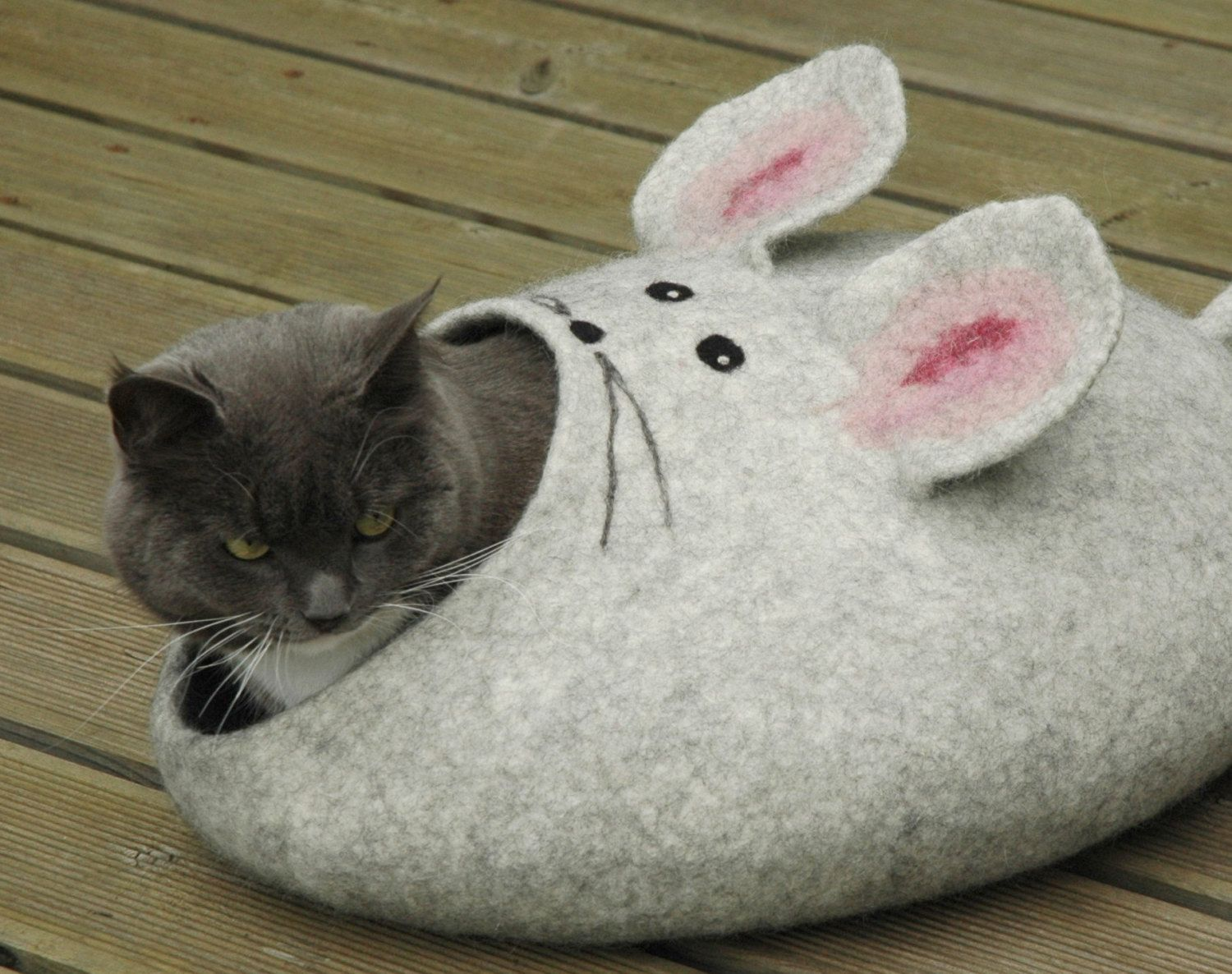 Pin by Carly Amber on Pets Cat cave, Cat mouse, Felt cat