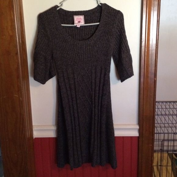 Cute Sweater Dress Like new. No snags, flaws or pulls. Worn once or twice. No longer fits. Dresses