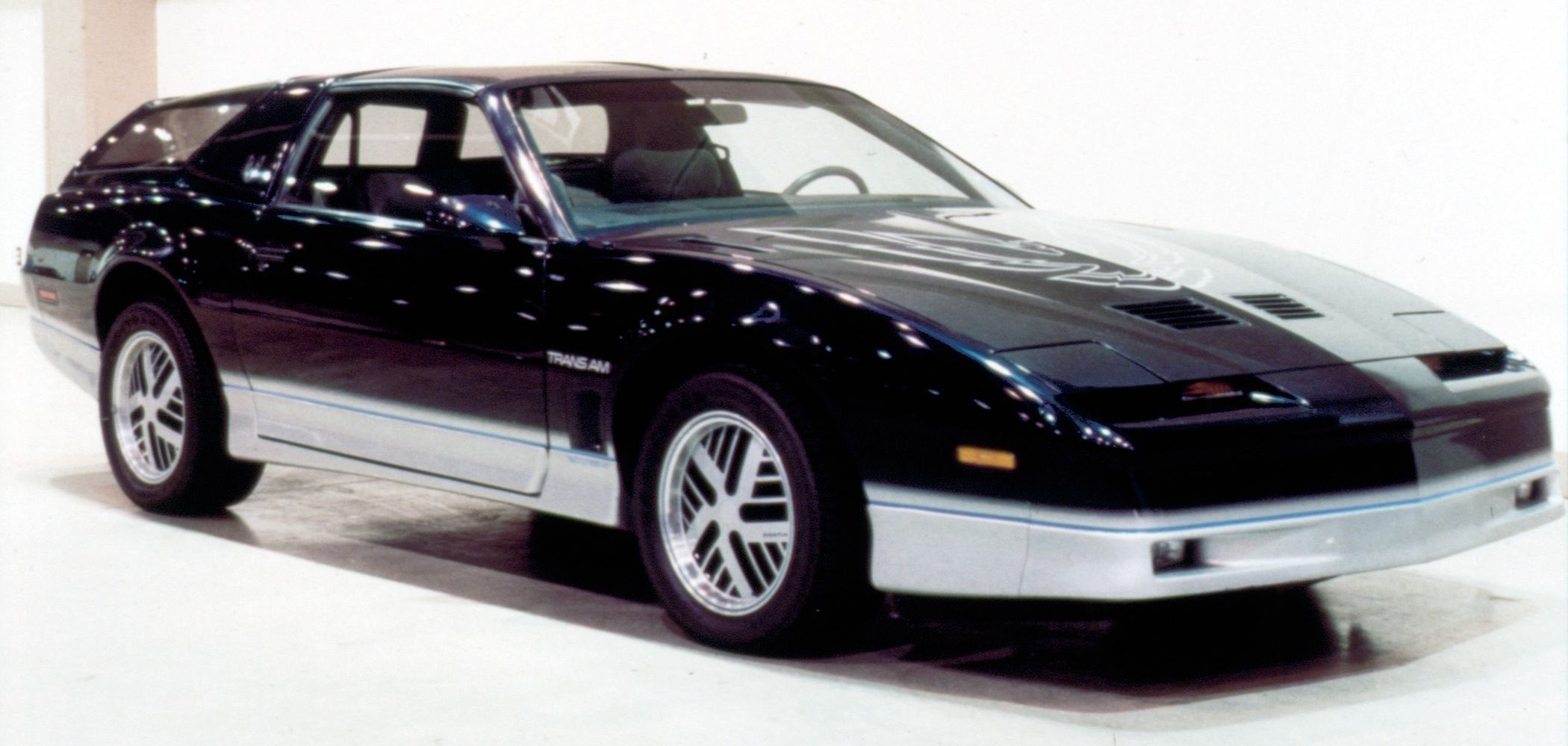Breadvan 'Bird: Remembering Pontiac's Firebird | Classic ...