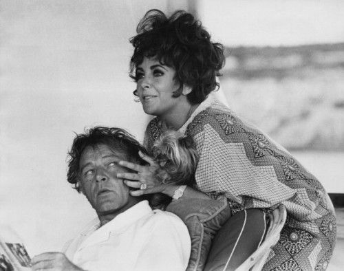 Elizabeth Richard Sail On Their Yacht Kalizma In 1967 While Filming Tennessee Williams S Boom Elizabeth Taylor Burton And Taylor Actors