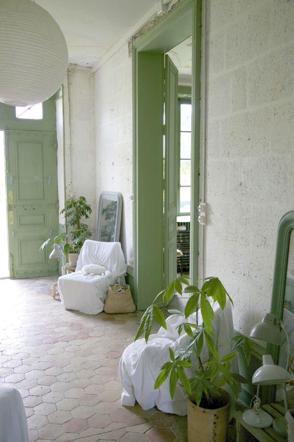 chez les petites emplettes notre id e de la d coration cr er des espaces correspondants des. Black Bedroom Furniture Sets. Home Design Ideas