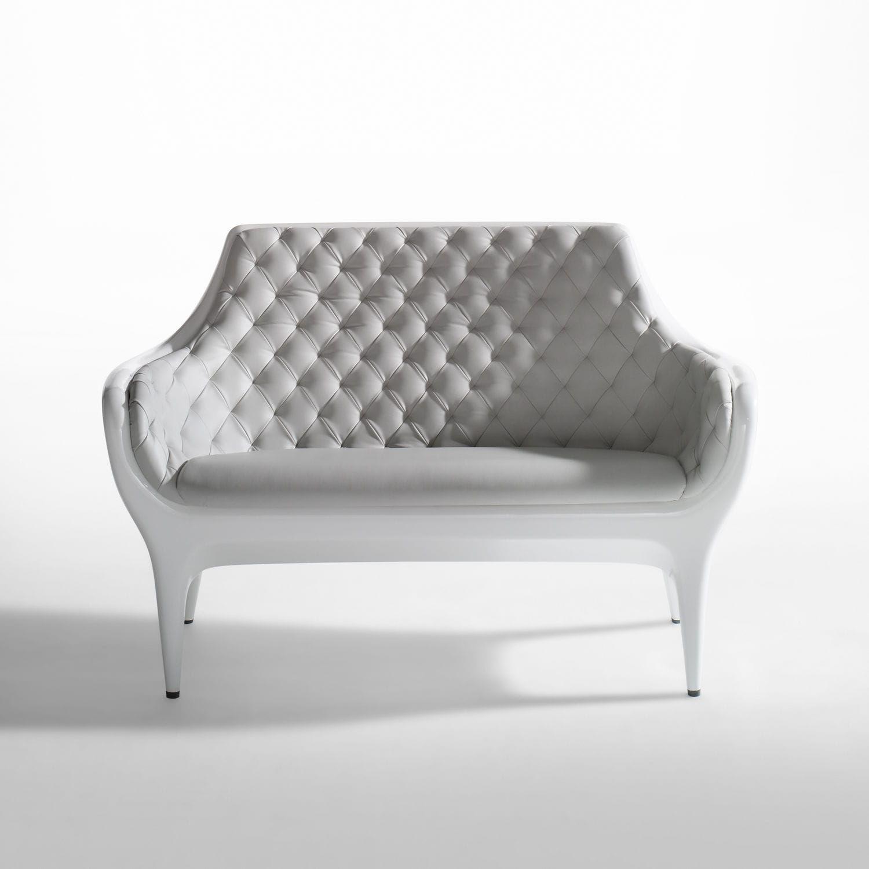 sof moderno de polietileno de cuero de jaime hayon