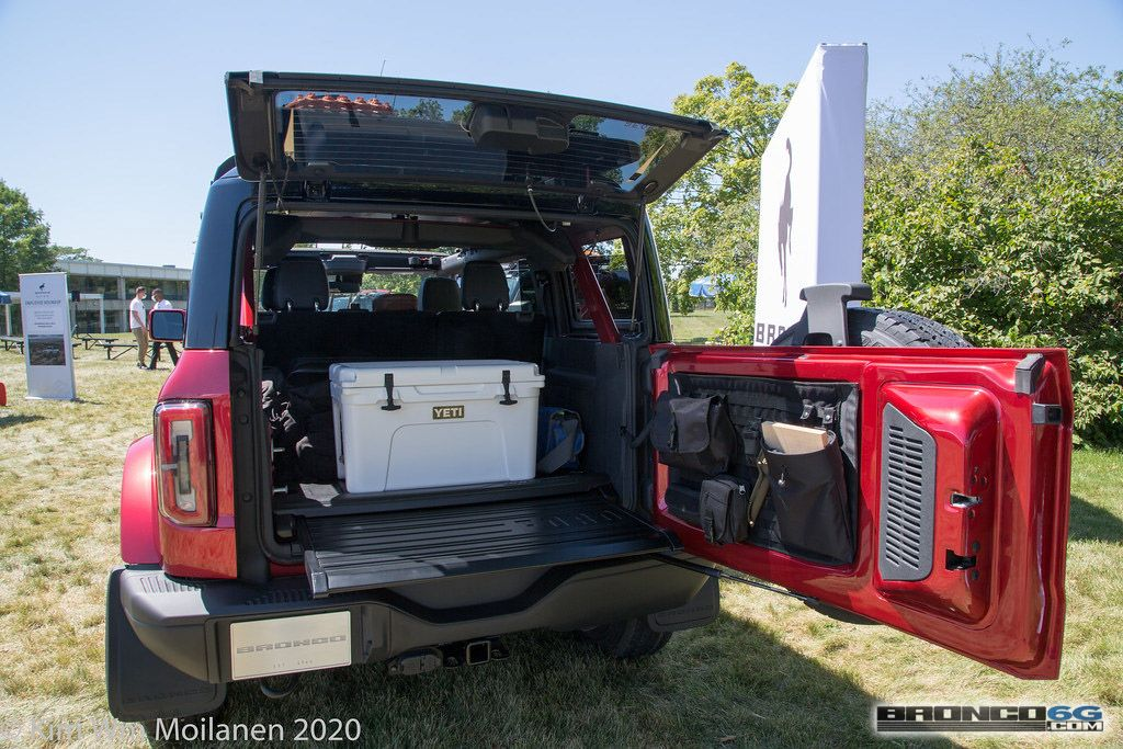 Https Www Bronco6g Com Forum Attachments 2021 Ford Bronco Rapid Red Interior Employee Roundup Event 53 Jpg 26926 In 2020 Ford Bronco Classic Ford Broncos Bronco