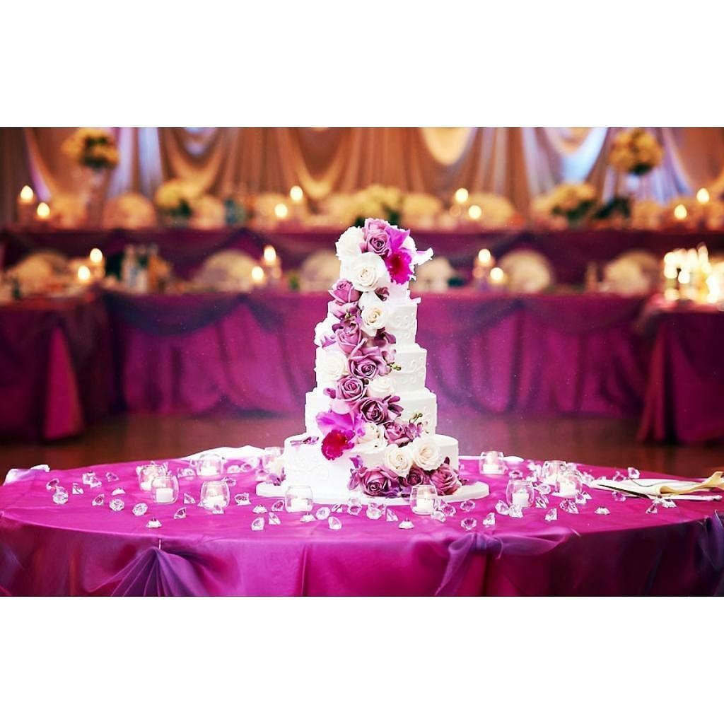 Fabulous purple #rose decorated #weddingcake at this #blue ...