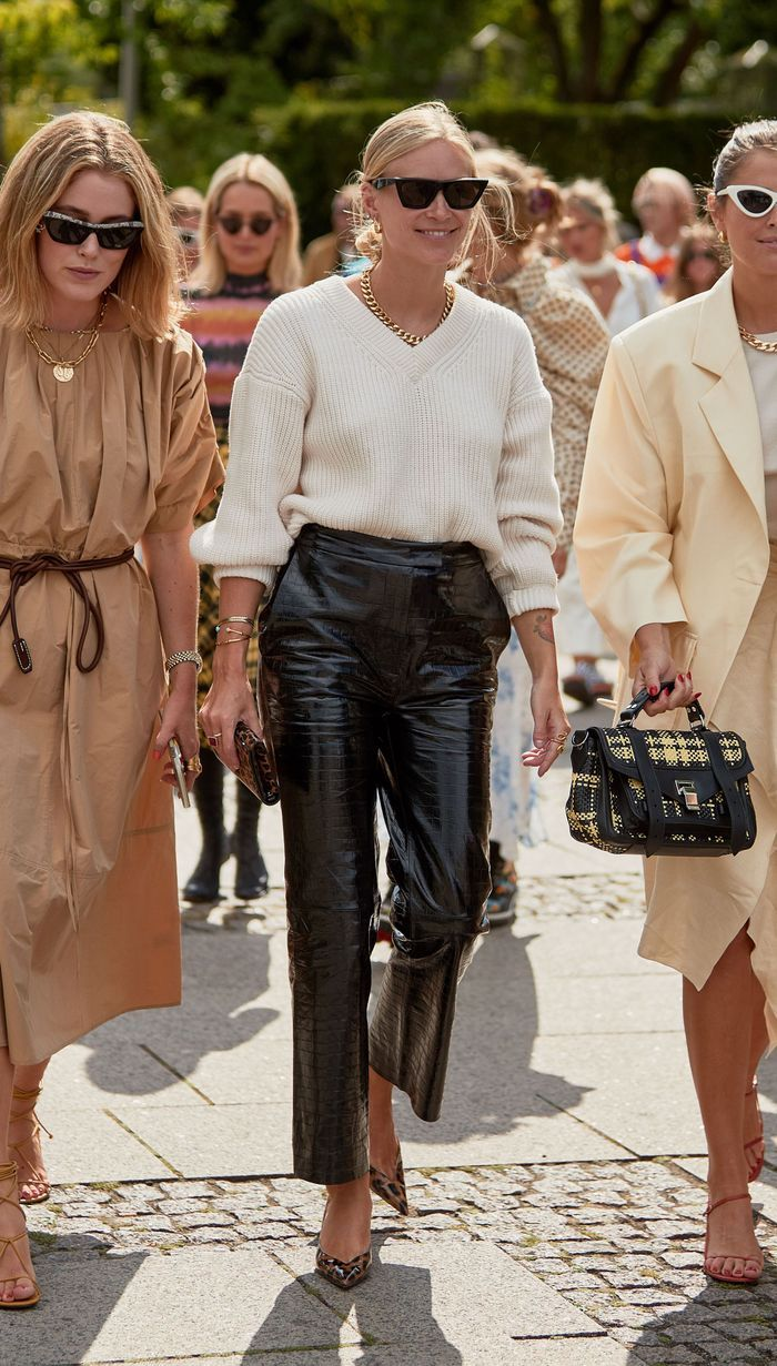 The Chicest Fall Outfits All Have This One Thing in Common #leatherpantsoutfit