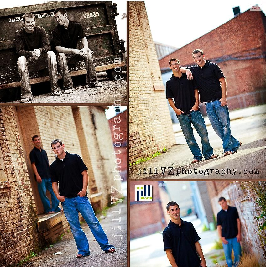 Picture Ideas With Twins: Twin Senior Picture Idea