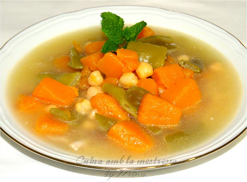 Cuina amb la mestressa: Sopa del puchero con berzas.  http://cuinaamblamestressa.blogspot.com.es/2014/01/sopa-sevillana-con-berzas.html