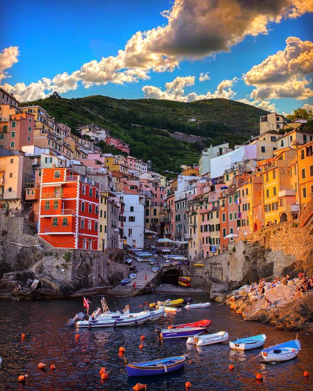 """✨Good Evening / Night ✨  Location: #Riomaggiore, Cinque Terre - #Italy  #SennaRelax"""