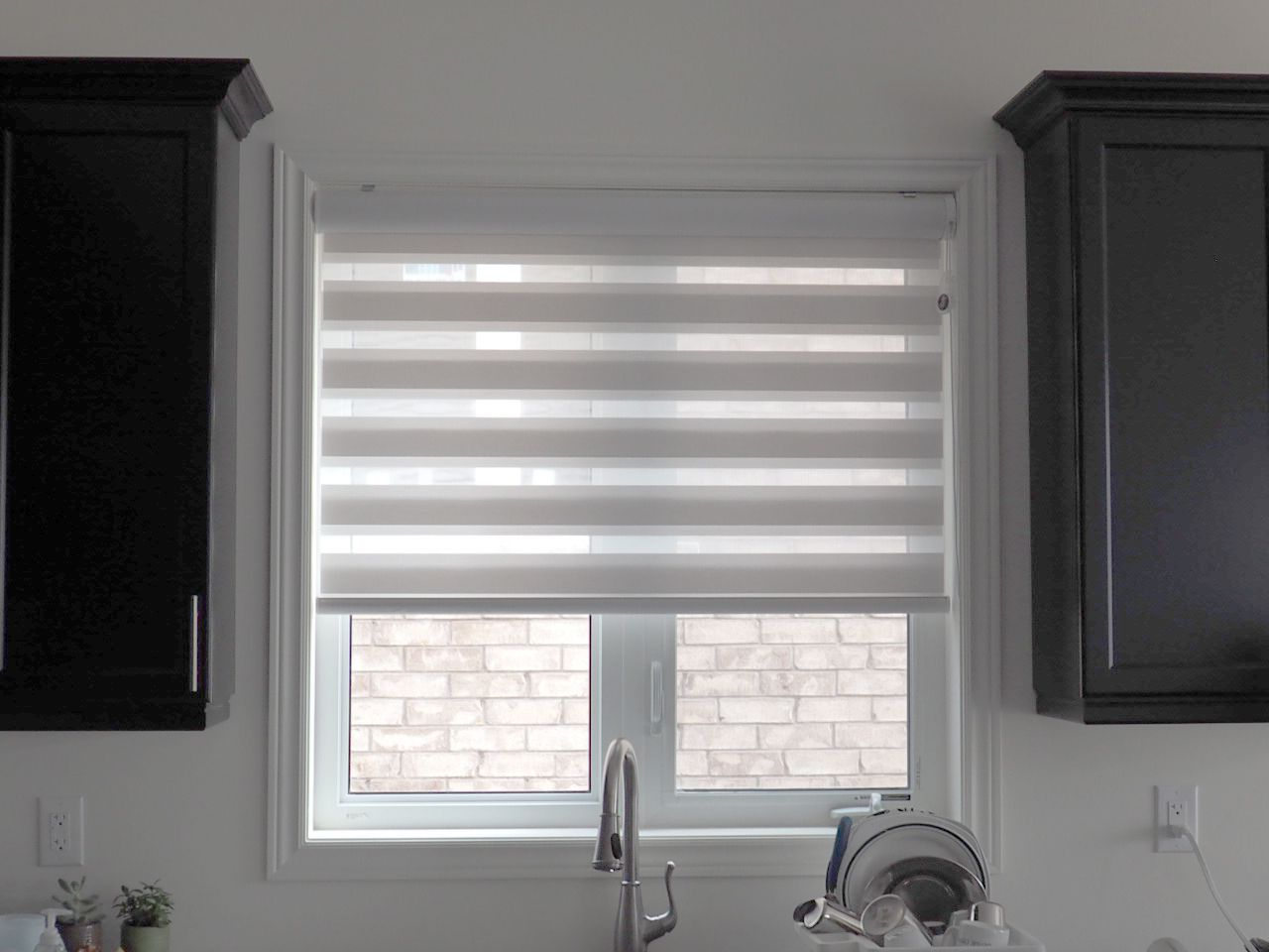 Combi Blinds On Kitchen Over The Sink Kitchen Window Curtains Kitchen Window Coverings Kitchen Window Blinds
