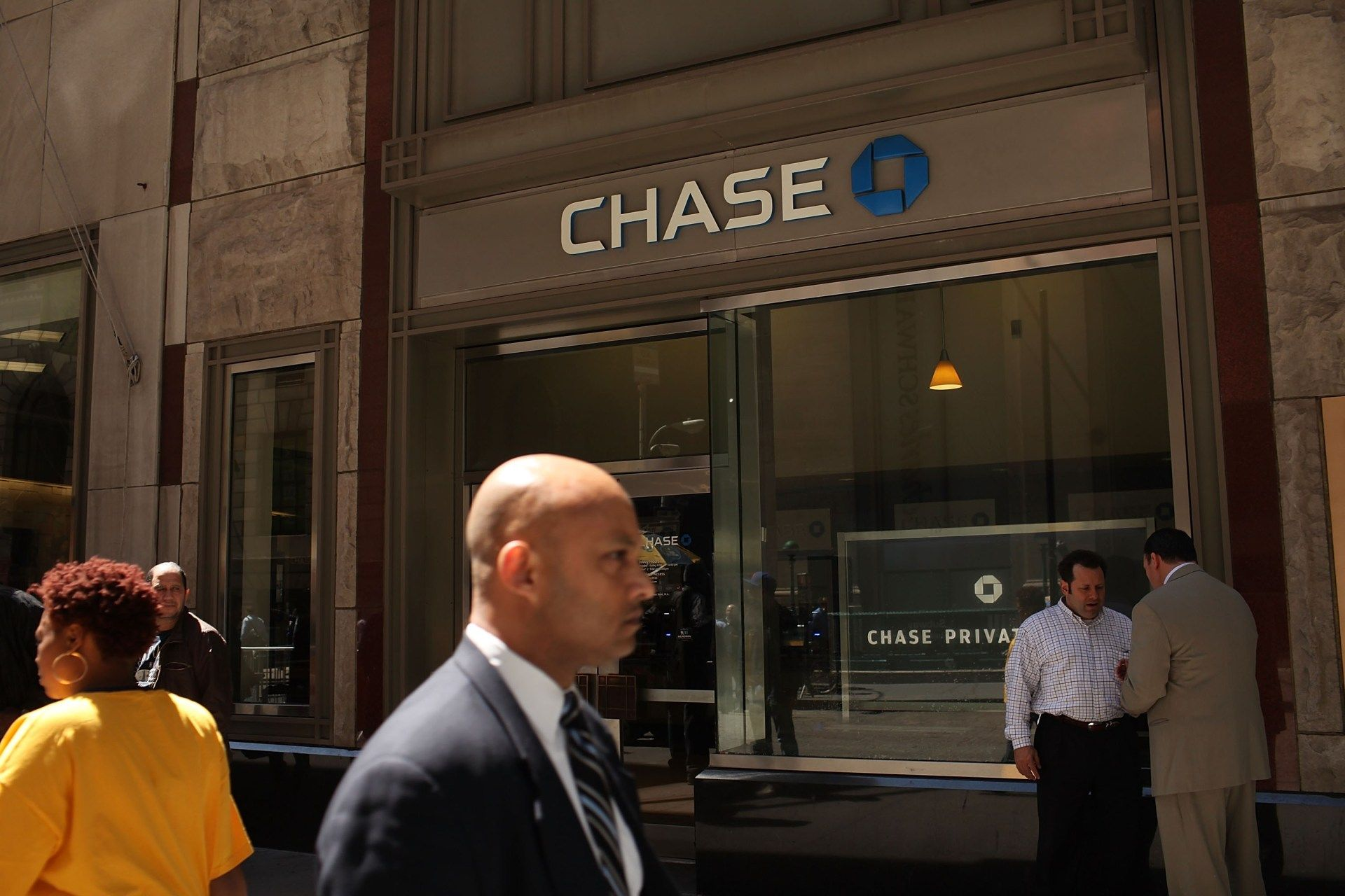 Chase Just Tried To Screw Its Credit Card Holders Here S How You Can Fight Back Credit Card