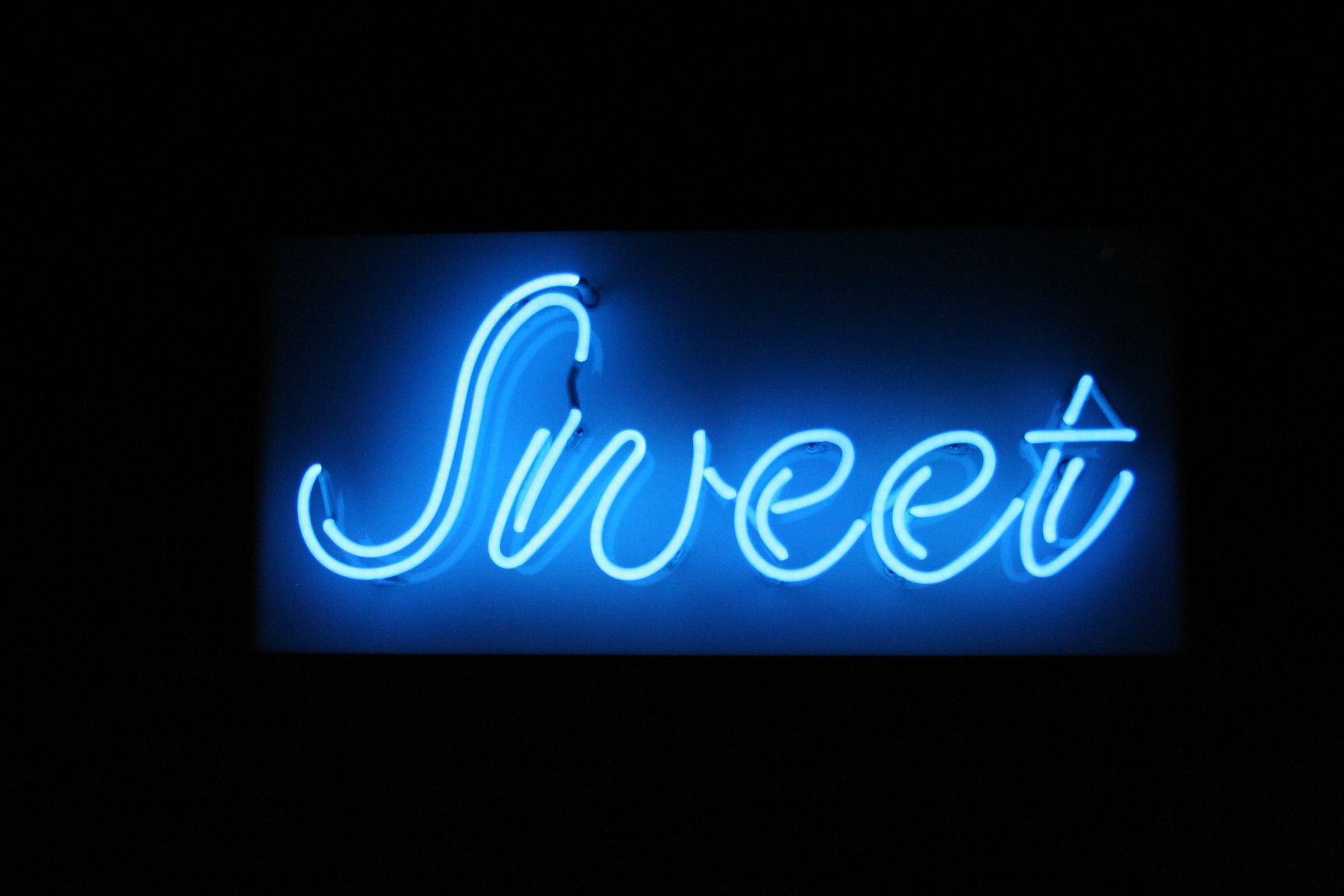 39 sweet 39 neon at the 2012 oc fair neon signs pinterest neon lighting blue and blue aesthetic. Black Bedroom Furniture Sets. Home Design Ideas