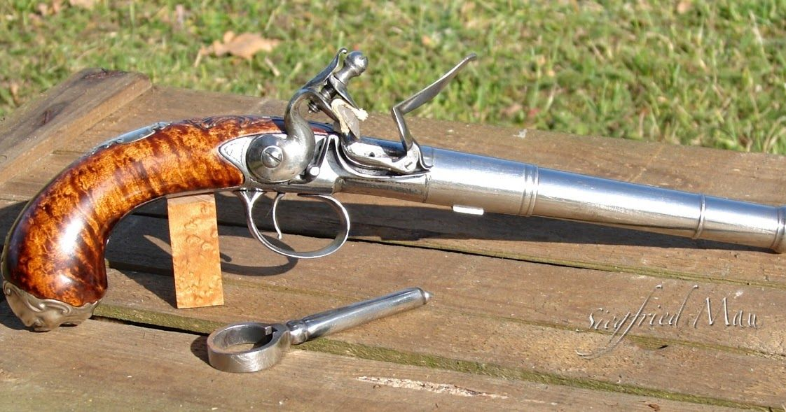 The Queen Anne Pistol English Firearm From 1660-1780 Flintlock Deringer Książki antykwaryczne