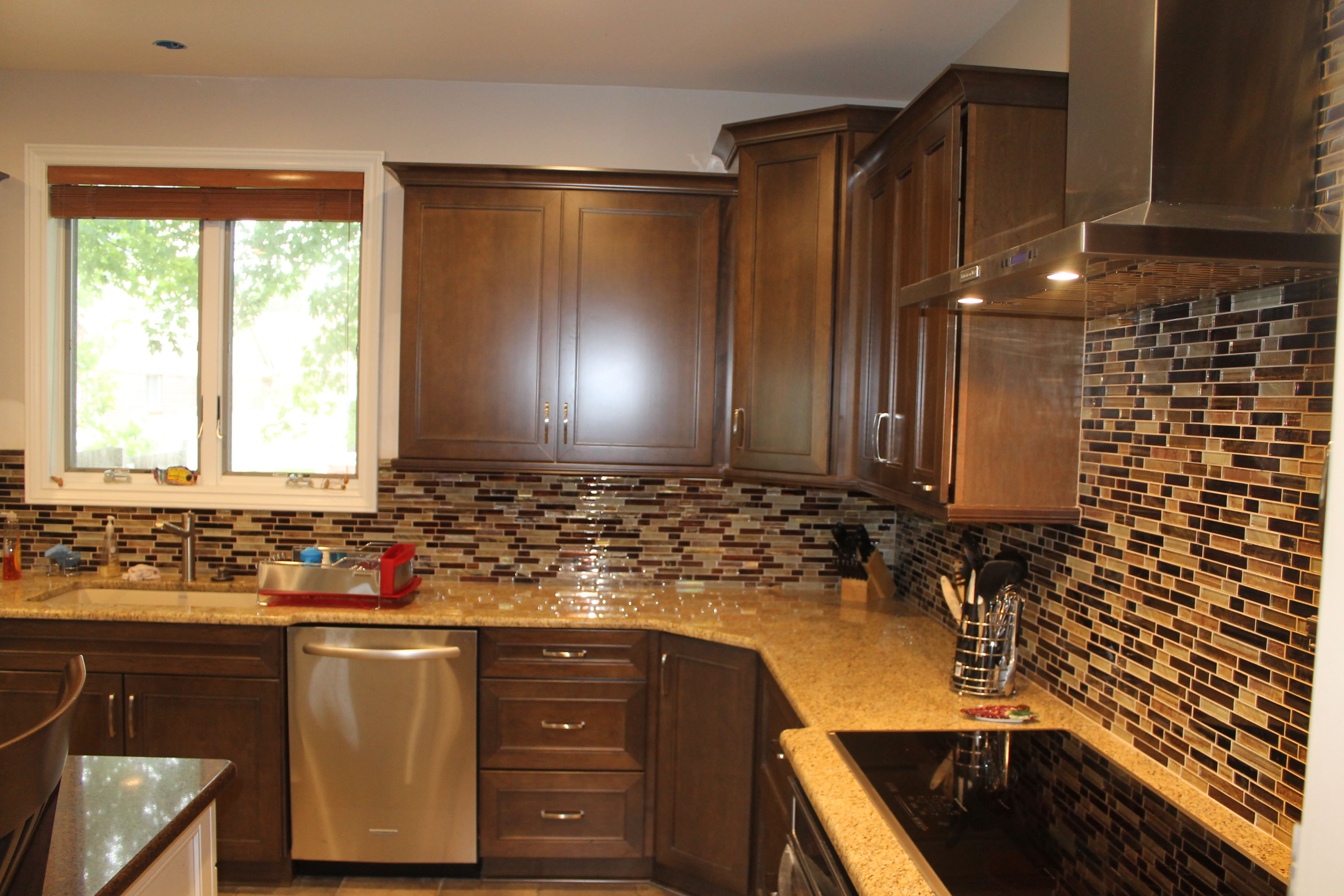 Medium Maple Cabinets with light Granite countertops and ... on Backsplash For Maple Cabinets And Black Granite  id=23929