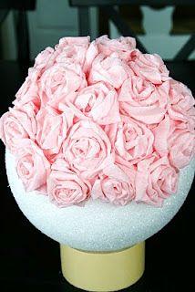 Topiario flores de papel crepe decoraciones pinterest twin making a crepe paper flower ball mightylinksfo