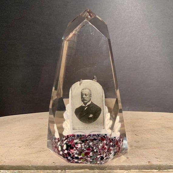 Remarquable  Mot-Clé Antique Photographic Memorial Cut Glass Large Paperweight, Ca 1900.