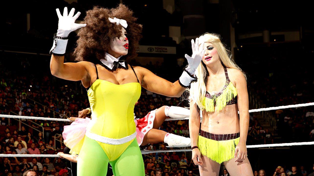 smackdown 10/31/14: divas no. 1 contender halloween costume battle