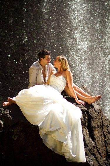 waterfall love kauai wedding photographer