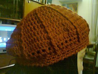 Es lo que hay. Mis cosas y yo. : Boina de lana tejida a ganchillo.