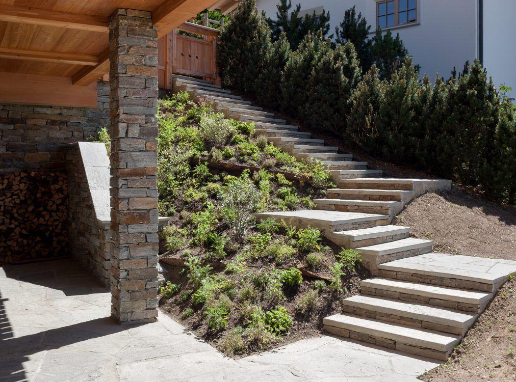 Gleicher Naturstein Fur Fassadenverkleidung Aussenbelage Und Aussentreppe Garten Stufen Natursteine Fassadenverkleidung