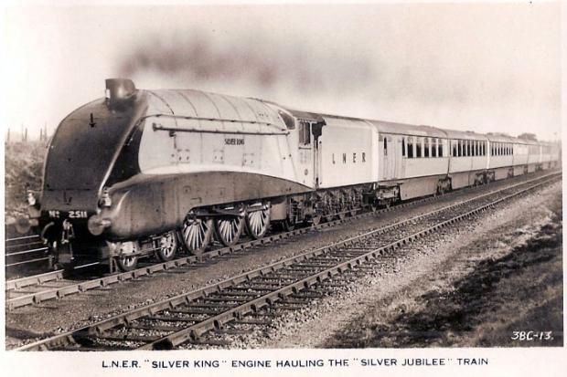 """2511 """"Silver King"""",LNER A4 4-6-2 operating the Silver Jubilee pre-WWII"""