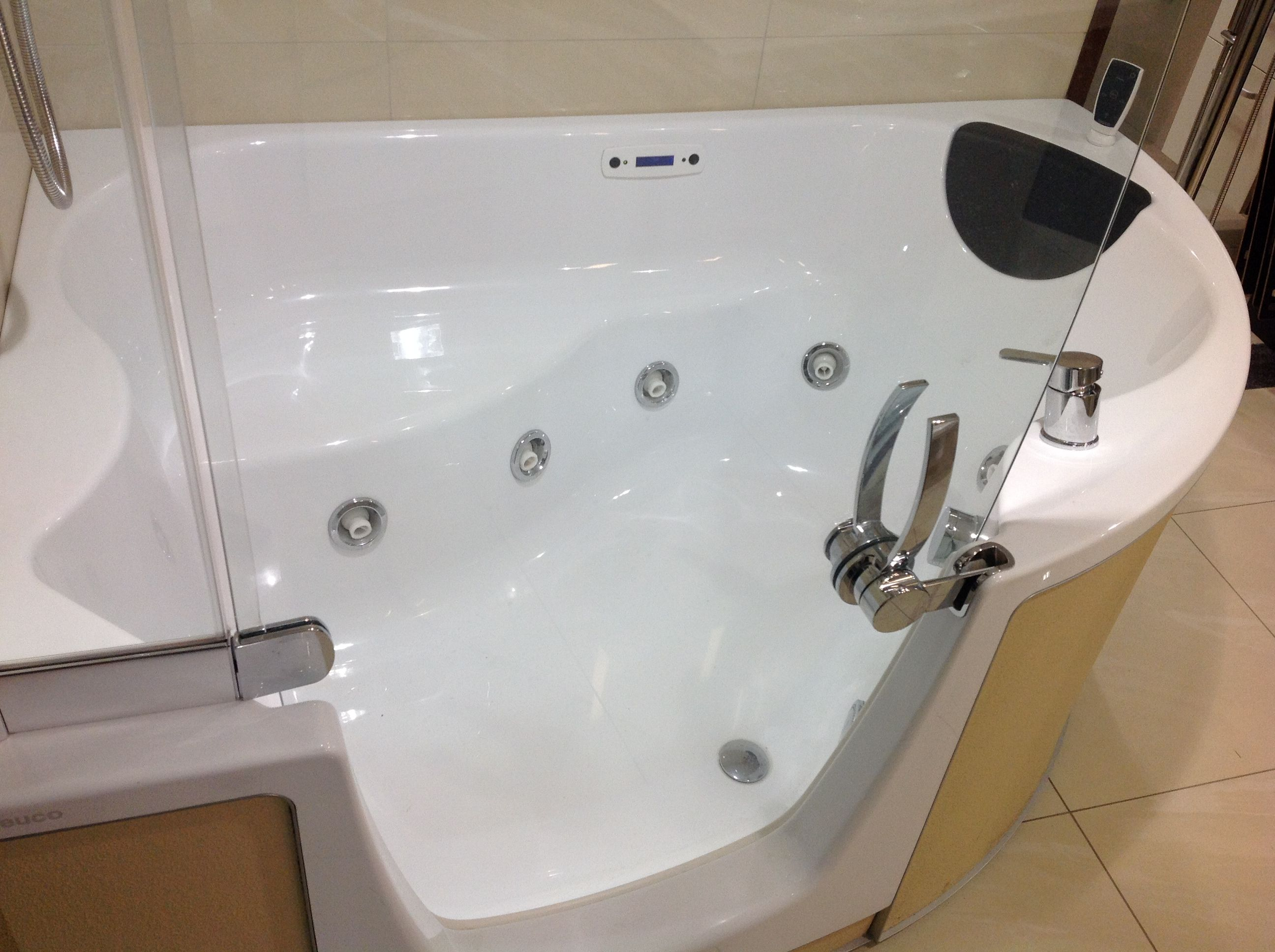 Ex Display Teuco 383 Standard Corner Combo Unit With Hydrosilence Convertable Front Panel Teuco Bath Waste Overflow Fille Bathroom Suites Display Showroom