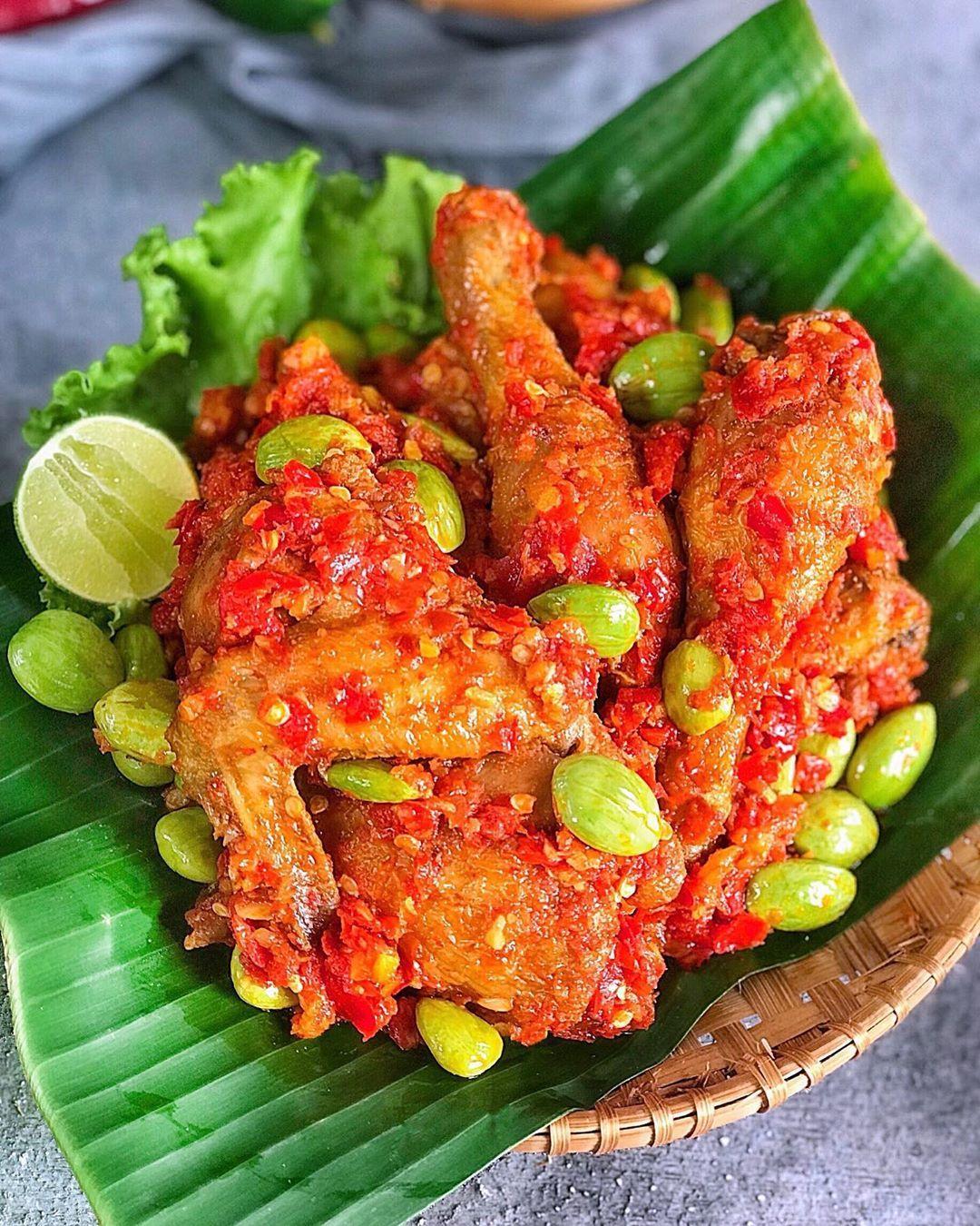 Resep Ayam Goreng Balado Dan Cara Membuat Ayam Goreng Bumbu Balado Lengkap Resep Ayam Goreng Ungkep Dan Bumbu Balado Ayam Pedas Resep Ayam Resep Masakan Resep