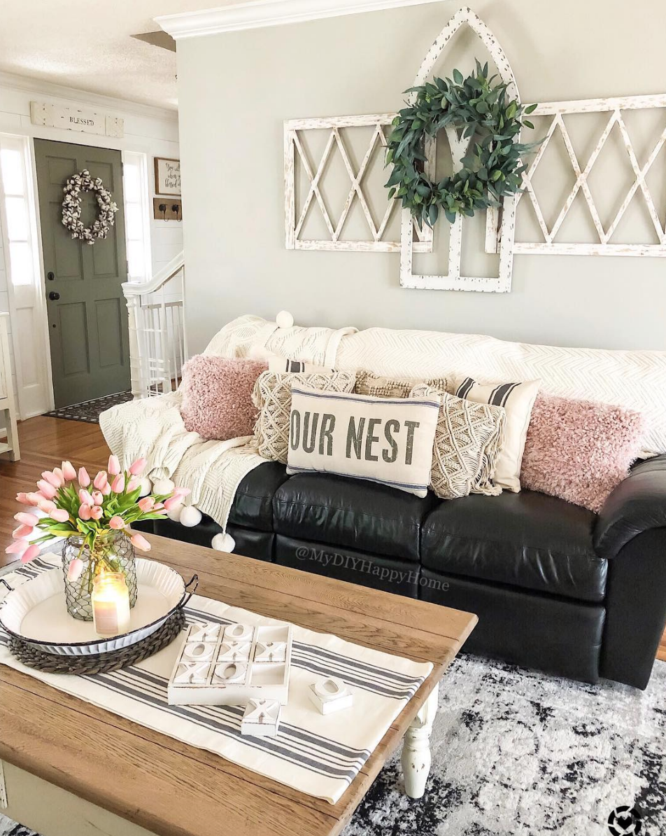 Vintage Living Room Idea For The Modern Farmhouse Home Inspired By Tiffany From My Diy Happy H Vintage Living Room Farm House Living Room Rustic Living Room