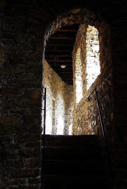 Schloss Burg Castle by shannonrossalbers