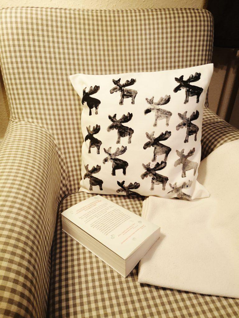 9f4506a8b6 DIY karácsonyi párnahuzat készítése textil nyomdázával | téli ...