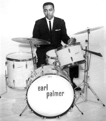Earl Palmer. A pioneer.   楽器