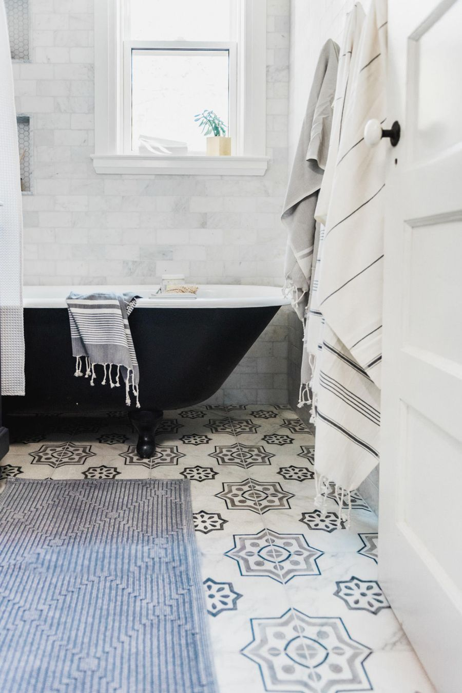 Giving an Outdated Bathroom a Stunning (and Timeless) Makeover ...