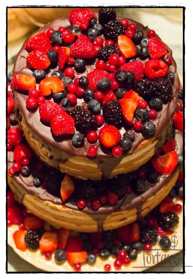 Naked cake, lelegante «nudità» della torta nuziale