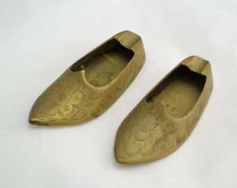 Check out Mismatched Pair of Collectible Vintage Aladdin Shoe Etched Brass Ashtray, figurine, small, miniature on vintagecornerbazaar