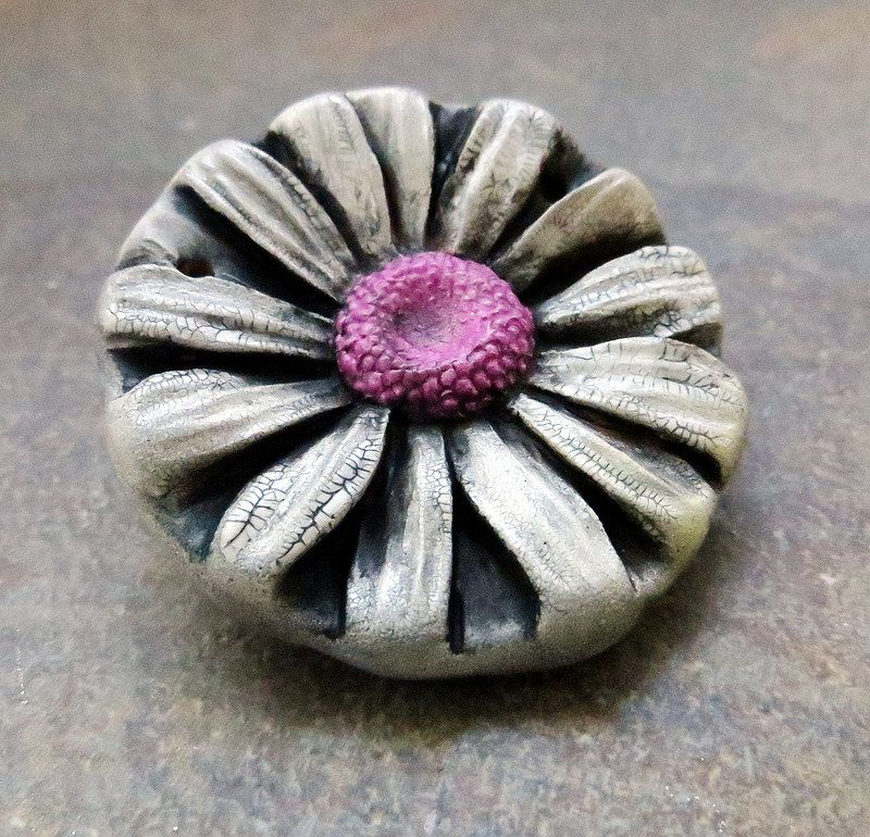 Daisy Pendant with Pink Center- what an amazing crackle finish!
