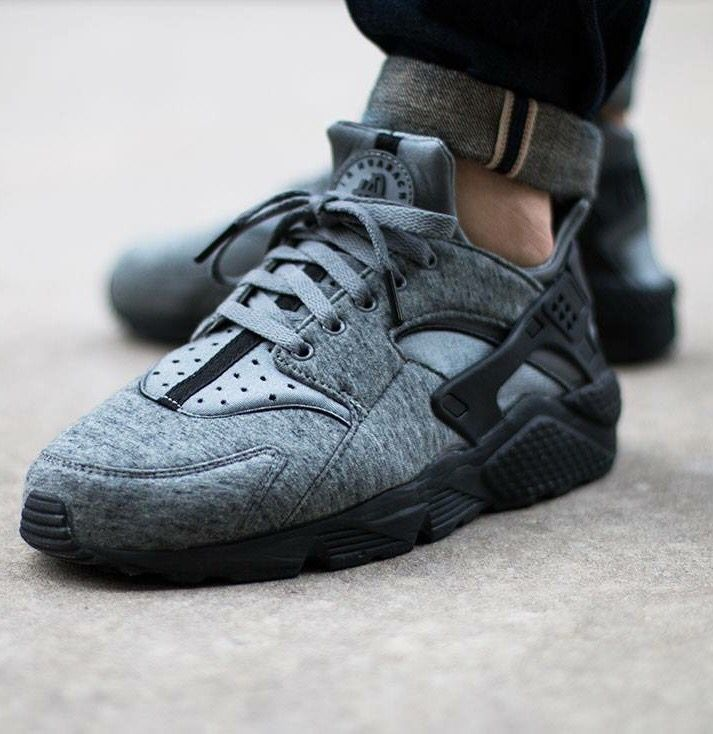 new arrival 4b9d9 82000 Nike Air Huarache Tech Fleece Grey